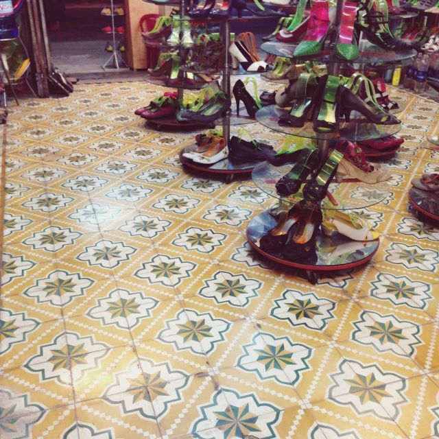 These retro floor tiles caught my eye while my boyfriend was getting his feet measured for a pair of custom-made leather shoes. He got a pair of simple brown shoes made to measure for USD50.