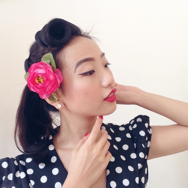 Vintage Retro Pin Up Girl Suicide Roll Rockabilly Hair