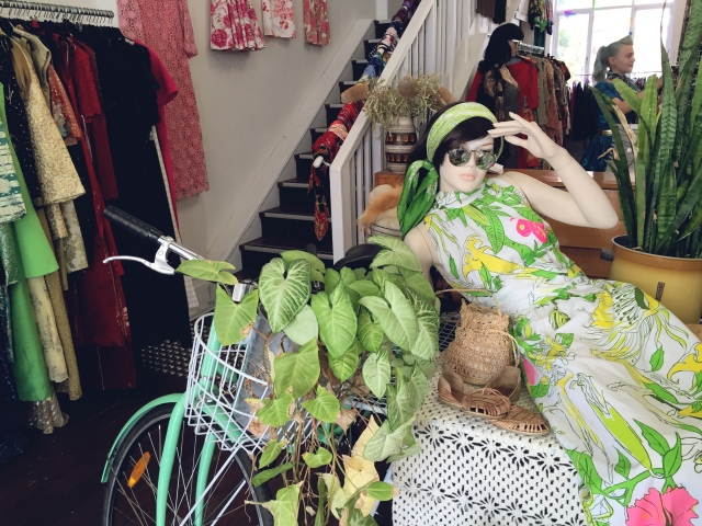 vintage shopping Perth oh henry  vintage