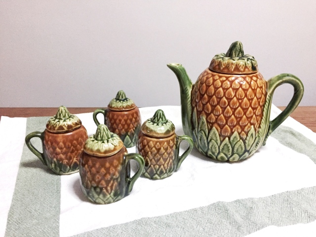 vintage novelty pineapple teapot