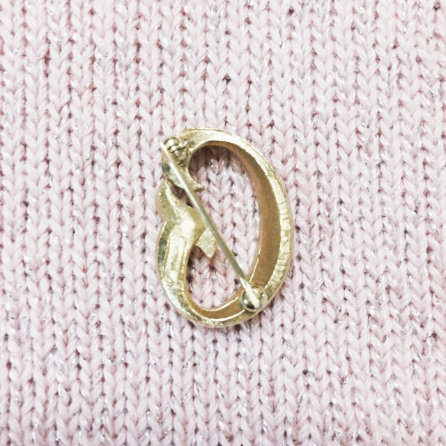 Gwenstella Made Vintage Trifari Monogram Letter G brooch